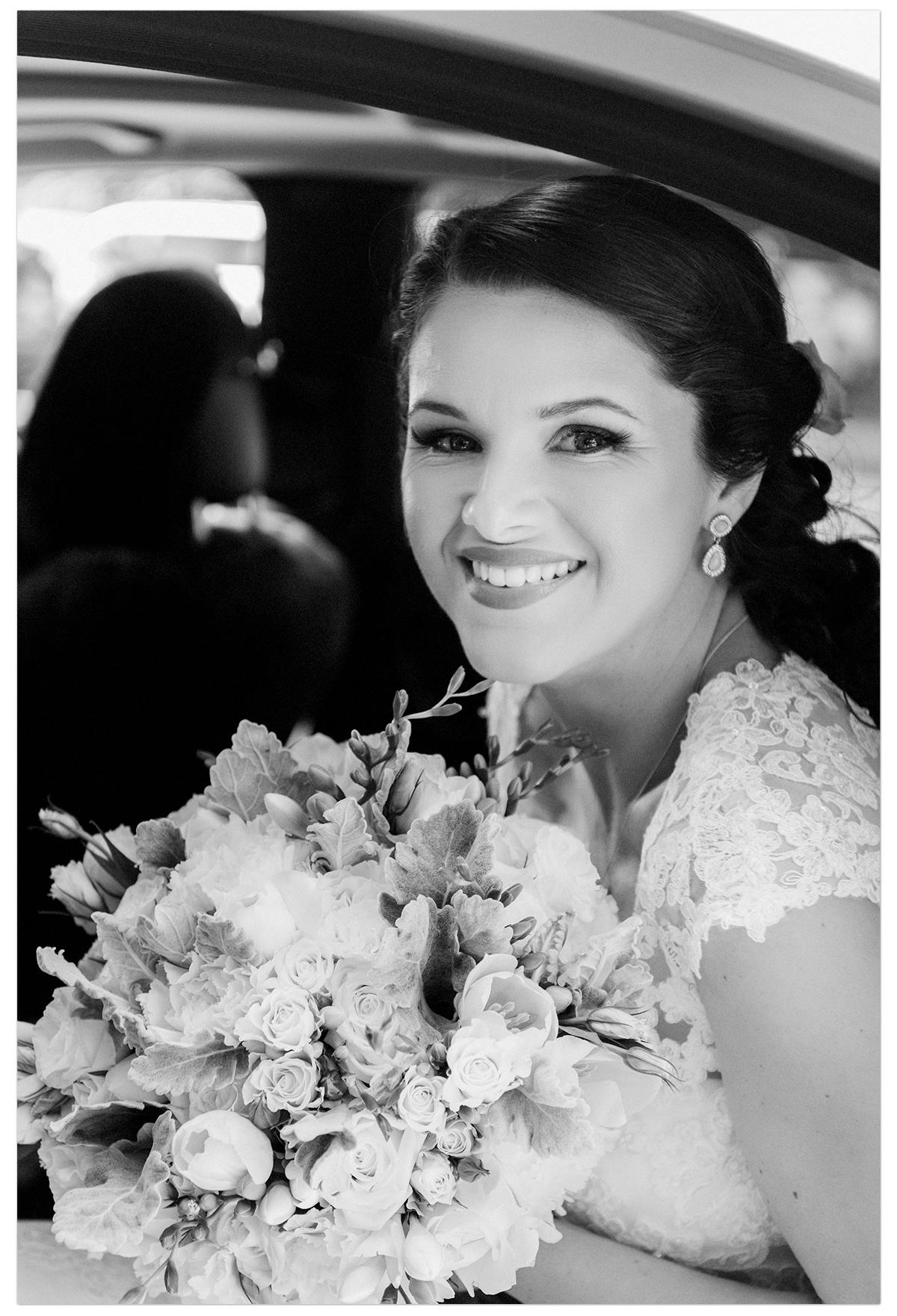 bride_wedding_car