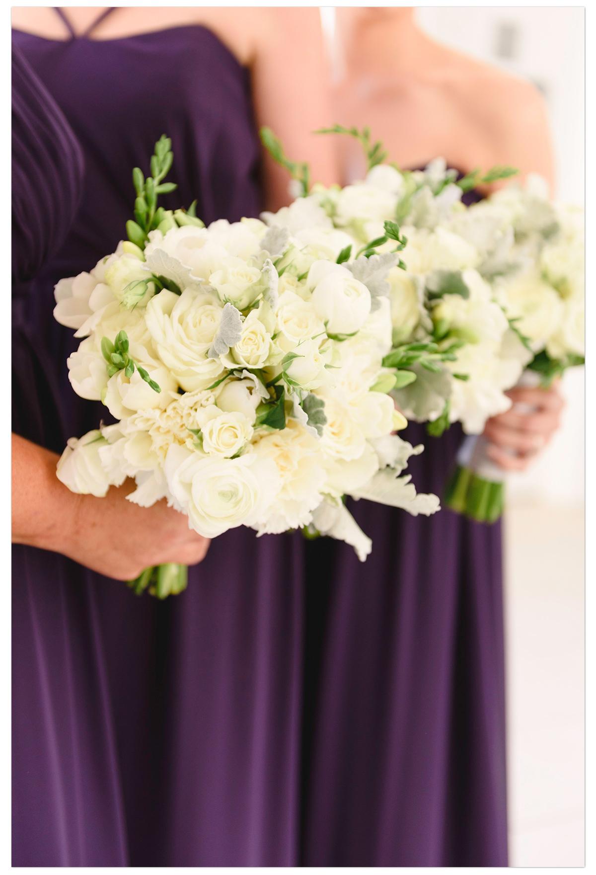 white_wedding_bouquet