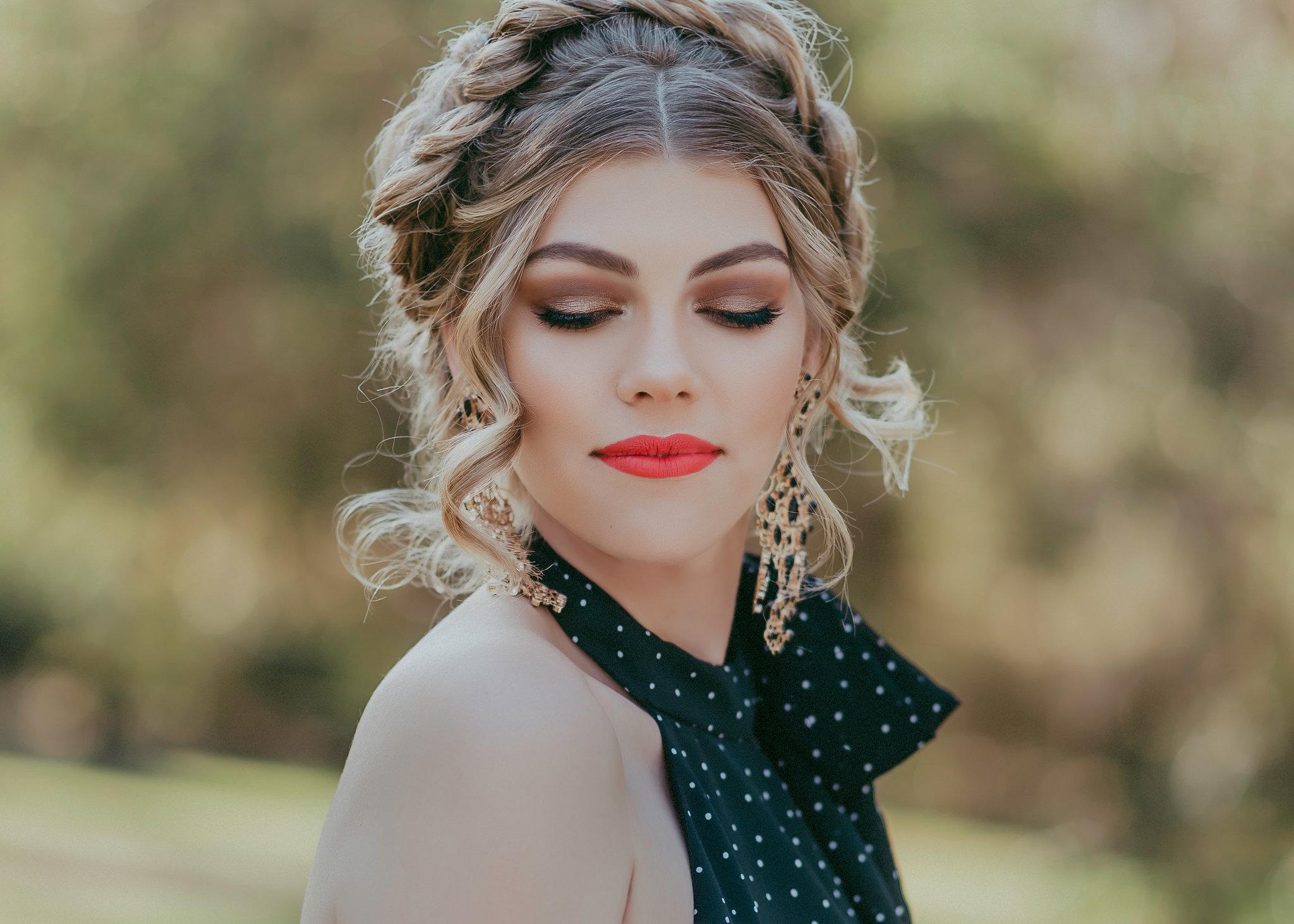 close up makeup
